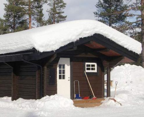 Utbyggd stuga med bastu